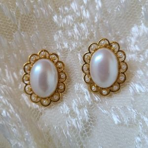 Vintage gold & pearl